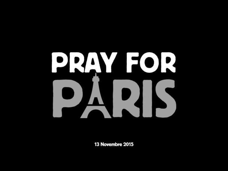 pray-four-paris-13-11-2015